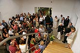 Geoffrey Hendricks: Schachteln, Leitern, Schindel und Himmel, Ausstellung Eröffnung 14. Juli 2006, foto: Libor Sváček